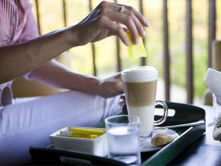 How Artificial Sweeteners Affect Blood Sugar and Insulin